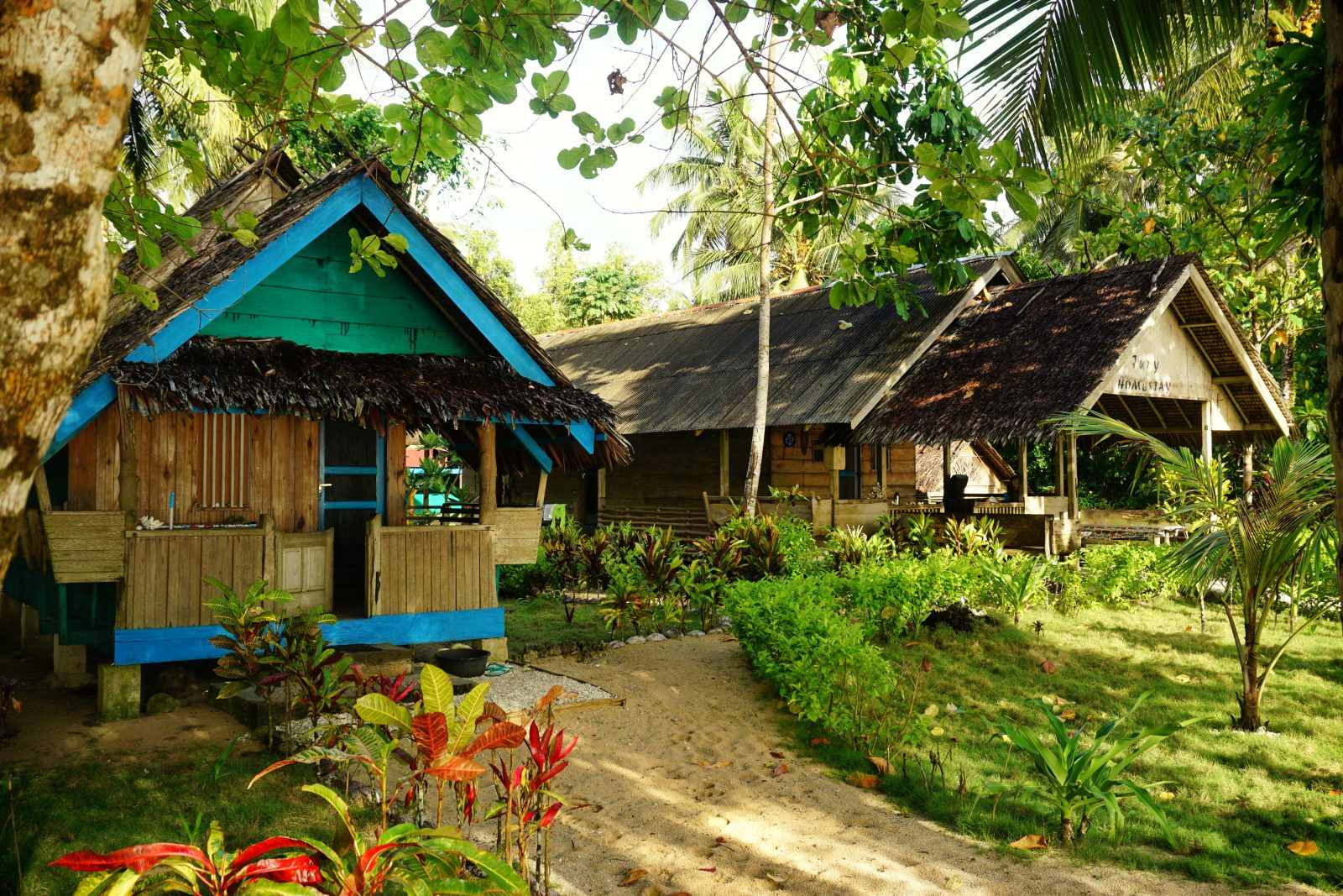 Surfing mentawai island beng beng nyang masokut jupy surf camp indonesia trip jupys